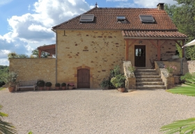 Beautifully restored country house with swimming pool and 11.5ha