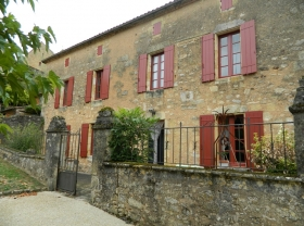 Attractive 19th century village house with 2 gites