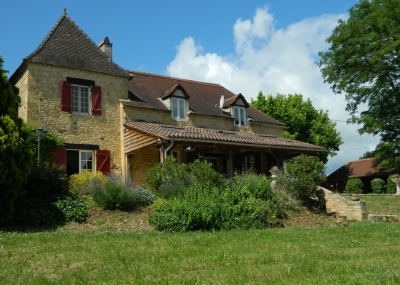 Country house with 2 gites, swimming pool and 9ha