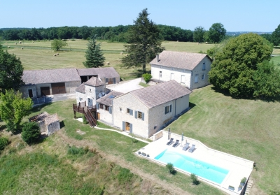 Stunning equestrian estate with swimming pool and 26ha