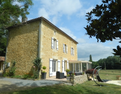 Restored farmhouse with excellent equestrian facilities, gite, swimming pool and 8ha