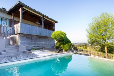 Spacious village house with garden, swimming pool and garage