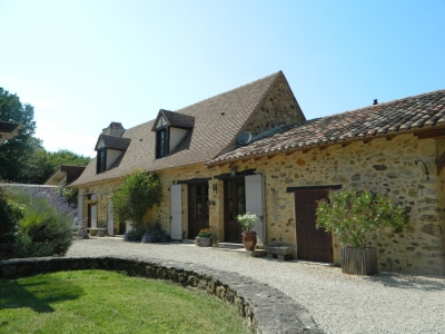 Superbly restored perigourdine farmhouse with swimming pool and large garden