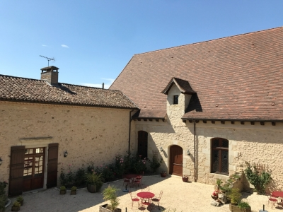 Restored 16th century chateau with 2 swimming pools, stables, tennis court and 10ha