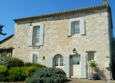Beautifully restored 19th century village house with garage, swimming pool and garden
