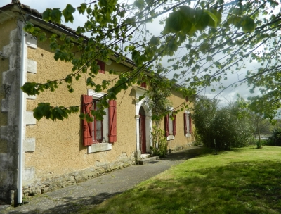 Superbly located 19th century farmhouse with 12.9ha