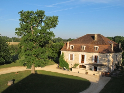 Substantial maison de maitre with traditional outbuildings and 4.4ha